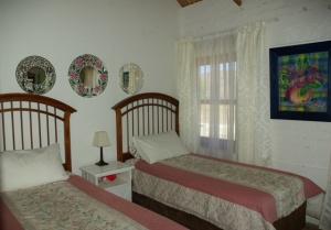 IMGP1043 Room2 Web1